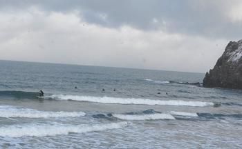 冬のサーフィン.JPG
