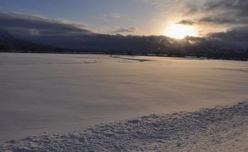雪原と太陽1.JPG